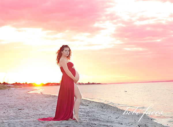 pregnancy photography in aarhus on beacch
